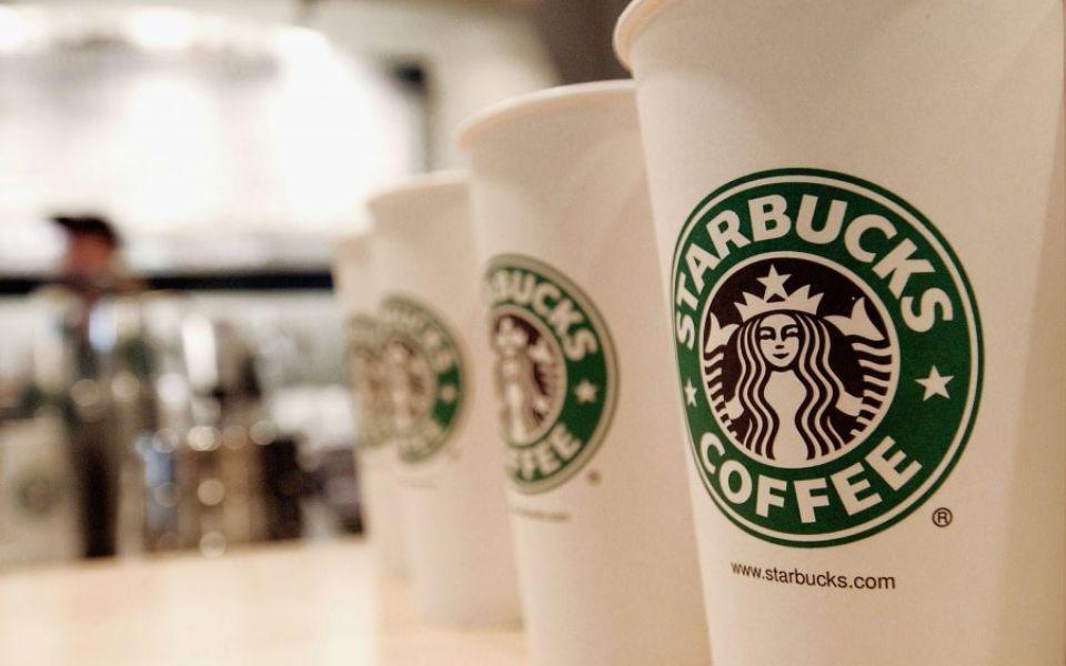 starbucks-coffee-emerges-as-largest-food-chain-in-manhattan-2371118-588ee2834b019